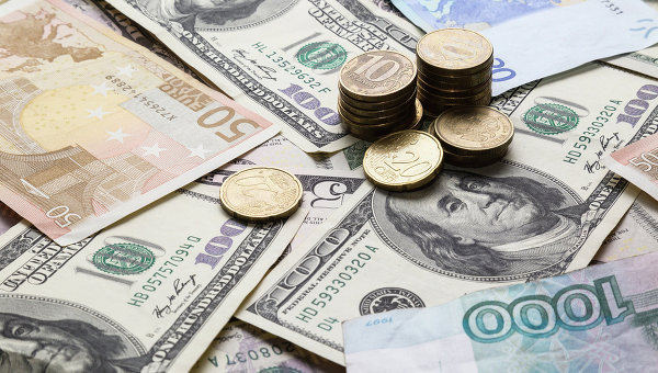 Курс доллара взлетел до 71 рубля впервые с конца января