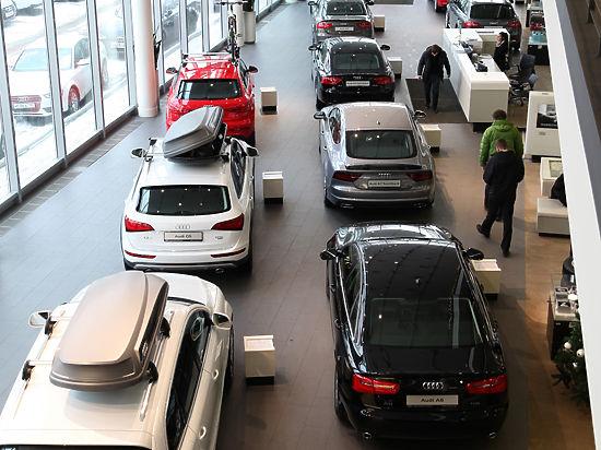 Автомобиль вновь стал роскошью: продажи легковушек снизились на 40%