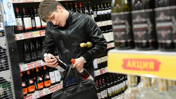 Минкомсвязь разрешит посылать до 5 л алкоголя по почте