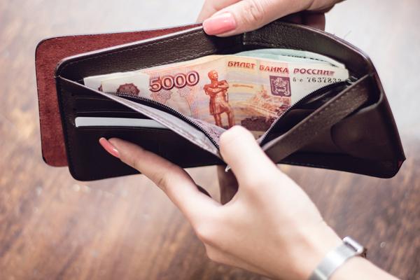 Дума предложила штрафовать работодателей за задержку зарплаты