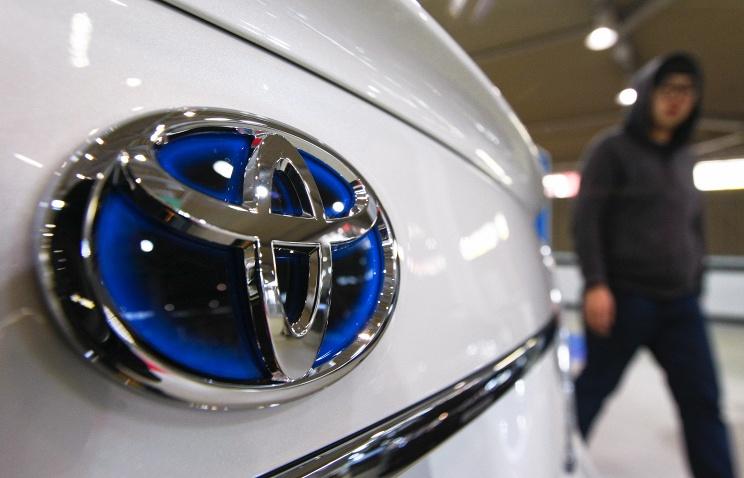 Toyota отзовет в России более 140 тыс. кроссоверов 2005-2012 годов
