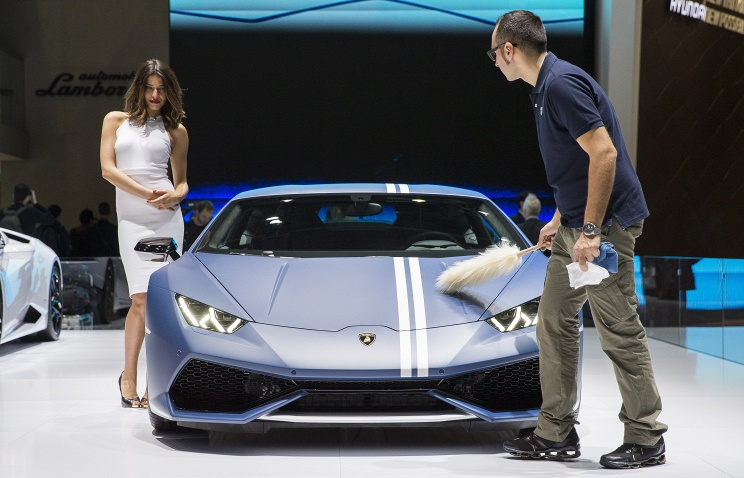 Более 120 новинок представлены на международном автосалоне в Женеве
