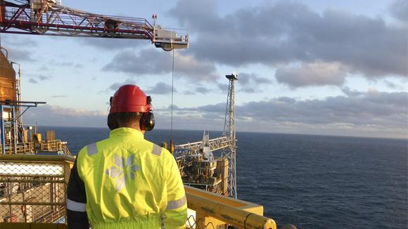 «Роснефть» в июне начнет бурение в Охотском море совместно со Statoil