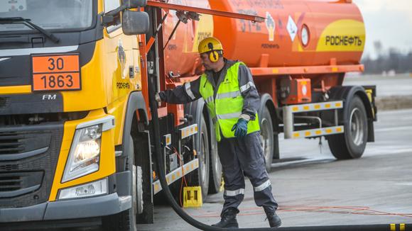 «Роснефть» привезет белорусский бензин