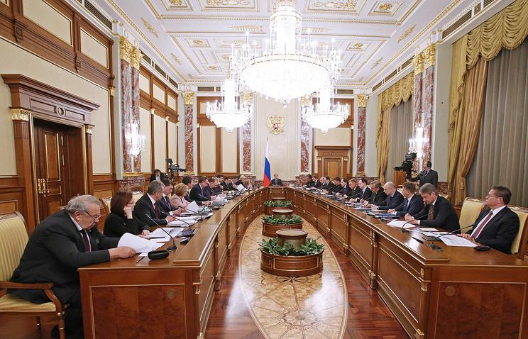 Кабмин РФ обсудит упрощение процедуры госуслуг, борьбу с «откатами» и подпольными казино