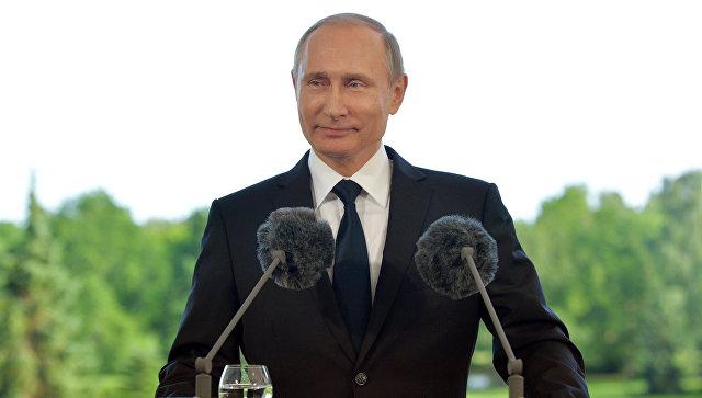 Путин подписал закон о передаче ФНС и ФТС валютных полномочий Росфиннадзора