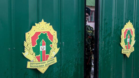 Должники не смогут выехать за границу через Казахстан и Белоруссию