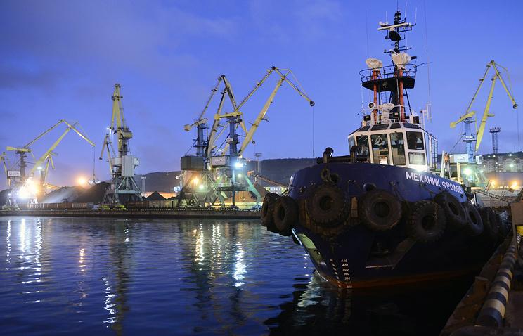 Минтранс выступает за «аккуратный» анализ тарифов в портах, ведет переговоры с ФАС