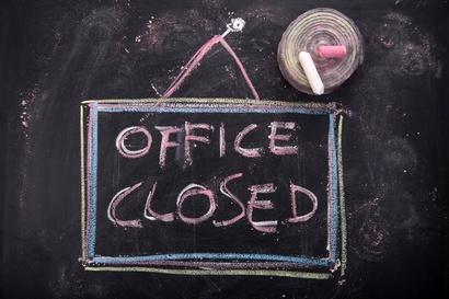 Эксперты: из-за отзыва лицензий с начала 2015-го в Москве закрылось каждое шестое банковское отделение