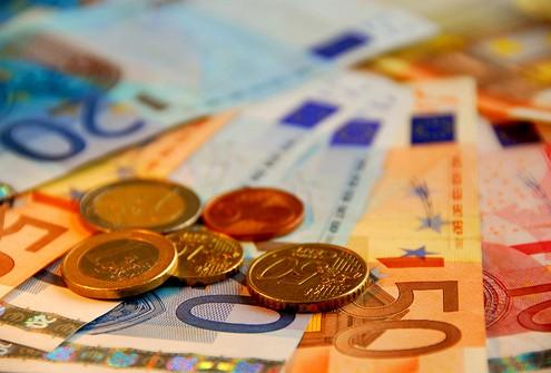 Самые слабые банки ЕС выплатили дивиденды на 20 млрд евро
