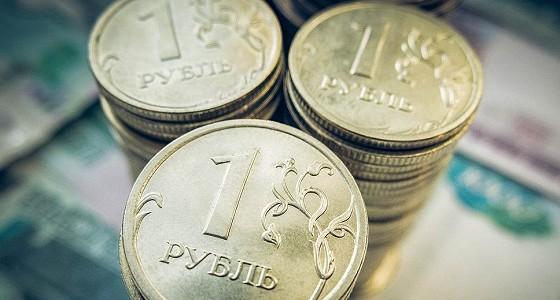 Нефть и рубль незначительно укрепляются