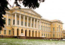НАФИ: россияне приобщаются к безналичным платежам через зарплатные карты