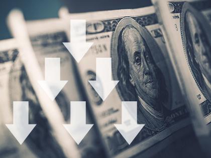 Курс доллара опустился ниже 57 рублей