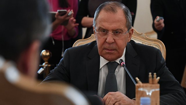 Россия не просит Запад о снятии санкций, заявил Лавров