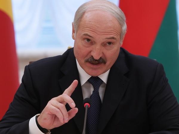 Лукашенко решил завалить Россию польскими яблоками