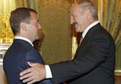 Лукашенко вступил в перепалку с Медведевым