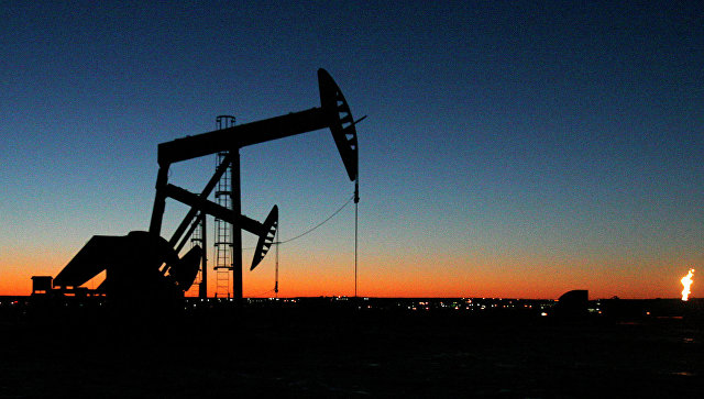 Россия сократила добычу нефти на 300 тысяч баррелей в день