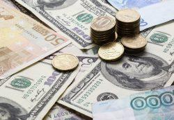 До конца мая рубль определится с курсом на лето