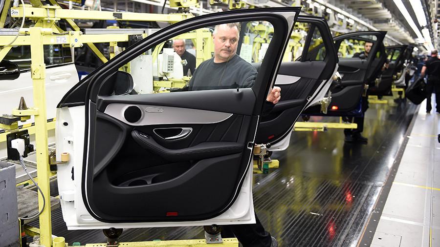 В России начнут строить завод легковых Mercedes