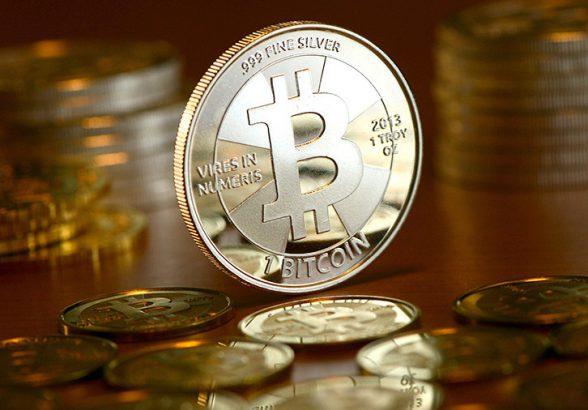Курс биткоина превысил полмиллиона рублей