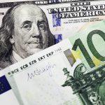 Доллар и евро нащупали годовой минимум