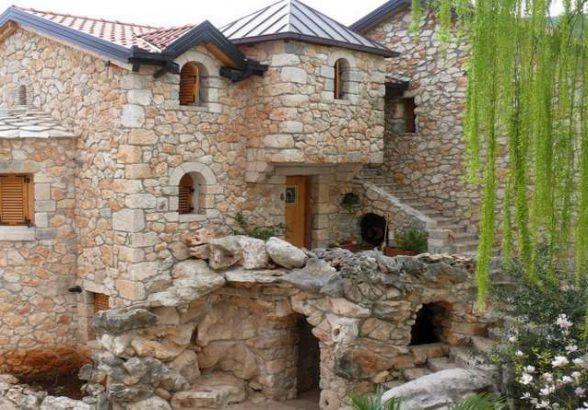 Строим дом из камня зимой