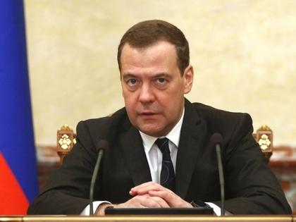 Медведев подписал постановление о введении tax free в российских аэропортах