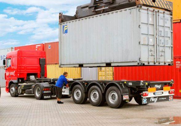 Перевозка контейнеров: особенности услуги