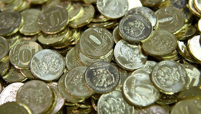 Аналитики не исключают дальнейшего ослабления рубля к доллару и евро