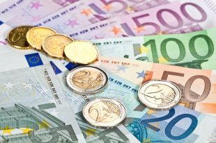 До какого уровня рухнут курсы доллара и евро к рублю