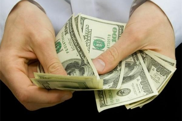Bloomberg: российские бизнесмены из-за санкций возвращают капиталы в Россию