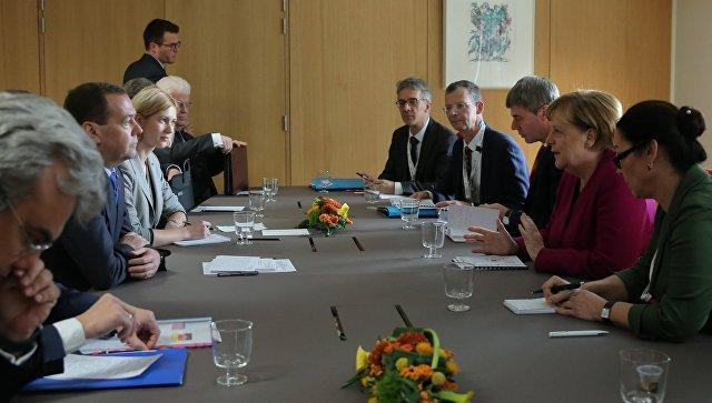 Медведев и Меркель обсудили «Северный поток — 2»