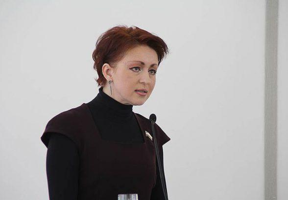 Саратовскую чиновницу уволили за 3,5 тысячи рублей