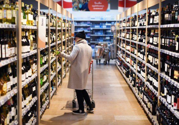 Эксперты посоветовали купить импортные вина до Нового года