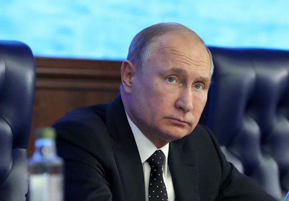 Путин поручил поддержать производство продукции гражданского назначения