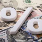 Орешкин: влияние повышения НДС на рост цен оказалось ниже, чем ожидали эксперты