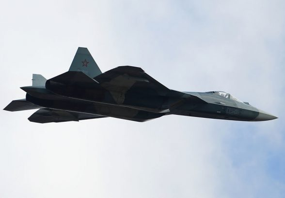 Военные получат первый серийный Су-57 в 2019 году