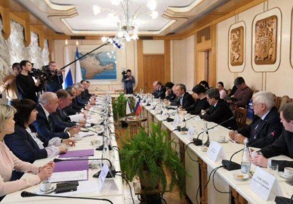 Власти Крыма планируют поставлять электроэнергию в другие регионы