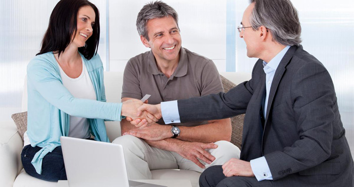 Как получить кредит посредством брокера и выгодно ли это заемщику