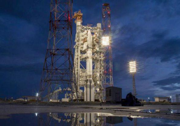 Рогозин оценил запрет США пользоваться «космическими услугами» России