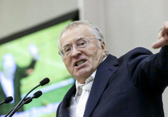 Жириновский со скандалом ушел с заседания Госдумы