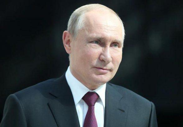 Путин: падение цен на нефть и внешние ограничения сдерживают планы России по развитию