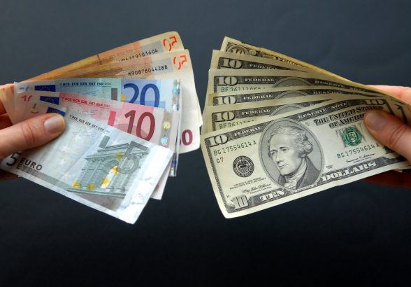 Валютная пара EUR/USD: главные особенности торговли на Форекс