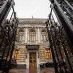 МИД России затребовал советника посольства США из-за «визовой войны»