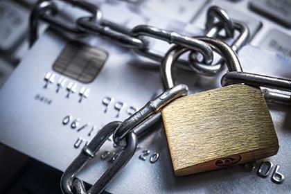 Банки предлагают блокировать карты при получении клиентом подозрительных платежей