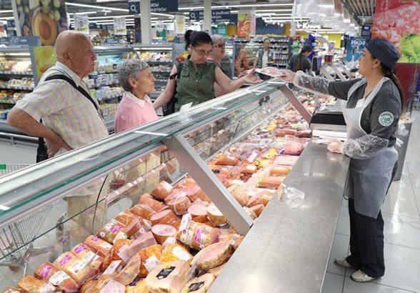 Росстат назвал регионы с самыми большими расходами на еду