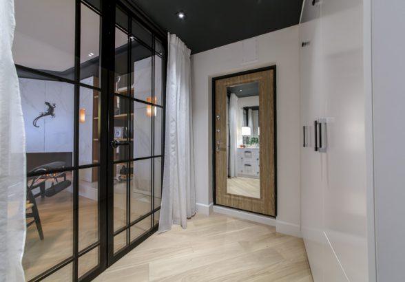Где купить дверь с зеркалом вместе с установкой?