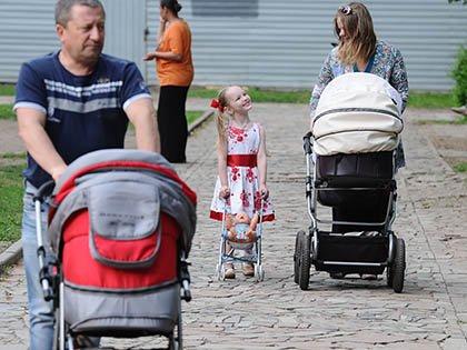 На детские пособия выделят втрое больше средств