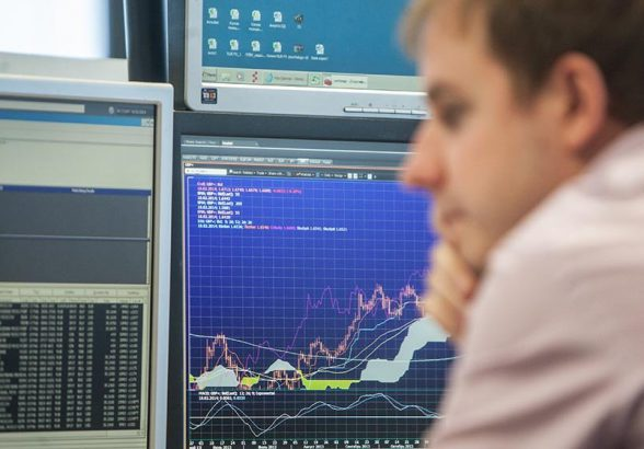 ЦБ ограничил возможности для инвестиций непрофессионалов