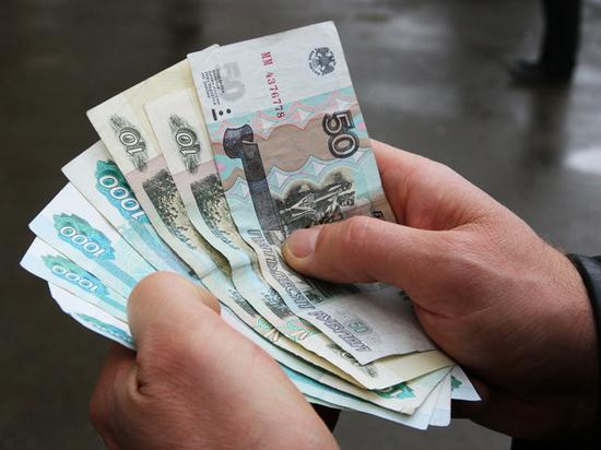 Долговая отгрузка: заемщикам с «серой» зарплатой продолжат давать ссуды